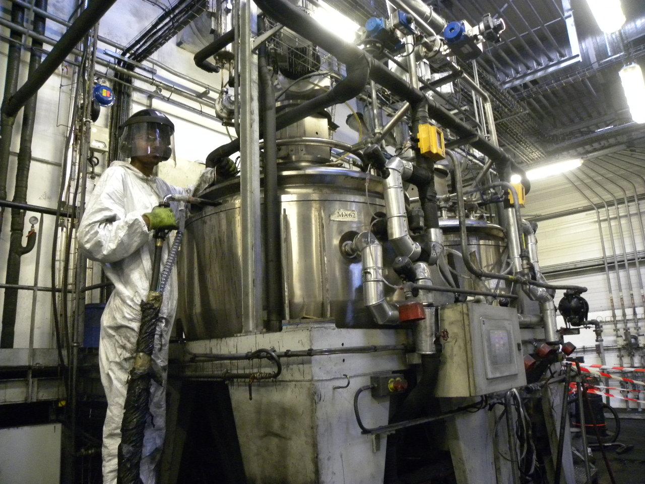 """prestation de remise en état d'une machine industrielle est faite par tir cryogénique : efficace et sans produit solvant"""""""