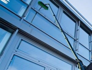 CNH nettoyage vitre eau pure