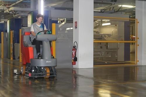 fréquence de nettoyage mensuelle entretien des sols zone stockage autolavesue